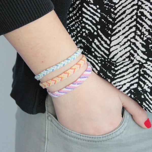 trio de bracelets br siliens classique chevron pi en fil cheve perles co. Black Bedroom Furniture Sets. Home Design Ideas