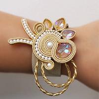 3c6ec8696 DIY Bracelet en soutache ajouré de perles Swarovski