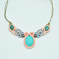 Collier soutache et pierre de Chrysocolla