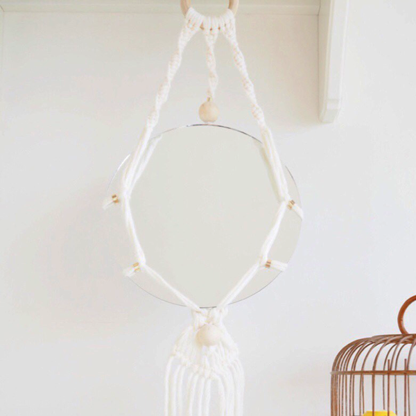 Diy miroir suspendu macram et perles en bois tendance perles co - Faire macrame suspension ...