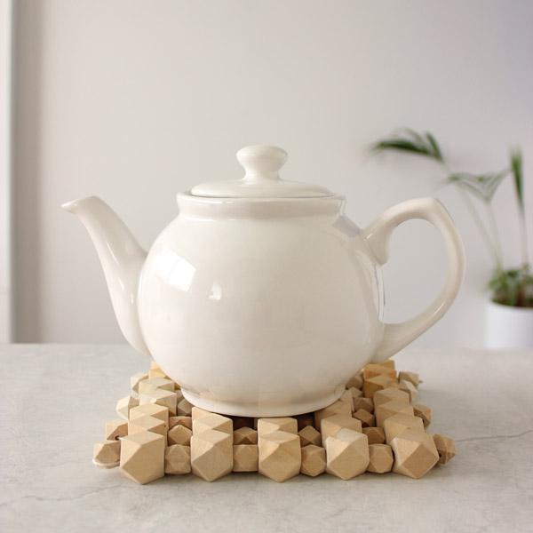dessous de plat perles en bois hexagonales style. Black Bedroom Furniture Sets. Home Design Ideas
