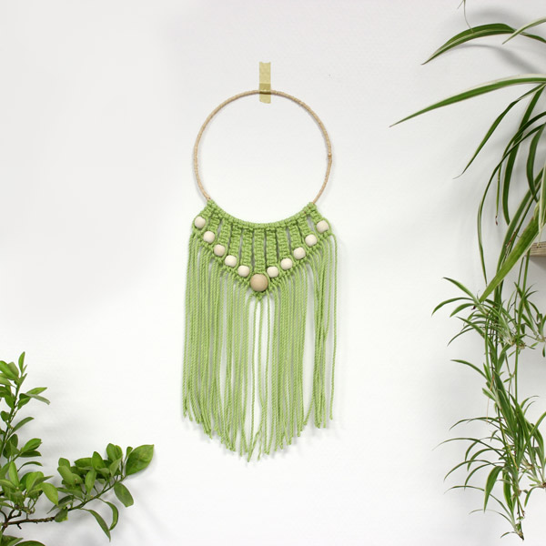 Diy suspension murale en macram facile perles en bois perles co - Faire macrame suspension ...