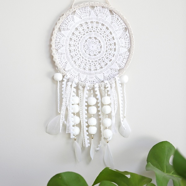Diy dreamcatcher fabriquer un attrape r ve diy simple avec un na perles co - Attrape reve crochet ...