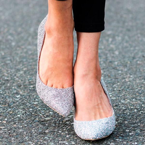 1c1d2ecf54375 DIY Customisation de chaussures à talons avec des paillettes argent ...