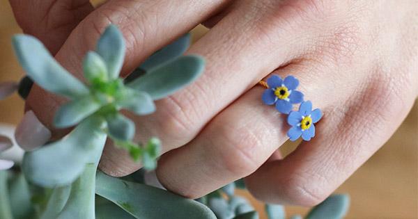 Coloriage Fleur Myosotis.Bague Et Boucles D Oreilles Fleurs De Myosotis En Pate Polymere
