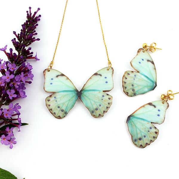 collier papillon en organza p te fimo et r sine uv. Black Bedroom Furniture Sets. Home Design Ideas