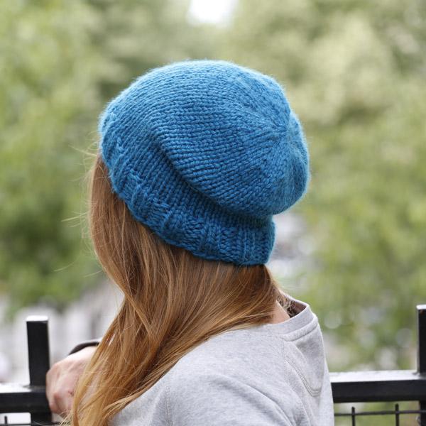 DIY Bonnet Mercredi tricot facile par Zak a dit - Perles   Co 57ff8783da1