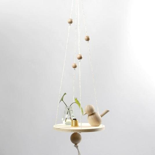 diy d co tag re en suspension avec perles en bois. Black Bedroom Furniture Sets. Home Design Ideas