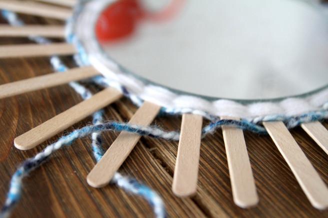 diy d co miroir rond tiss avec de la laine perles co. Black Bedroom Furniture Sets. Home Design Ideas