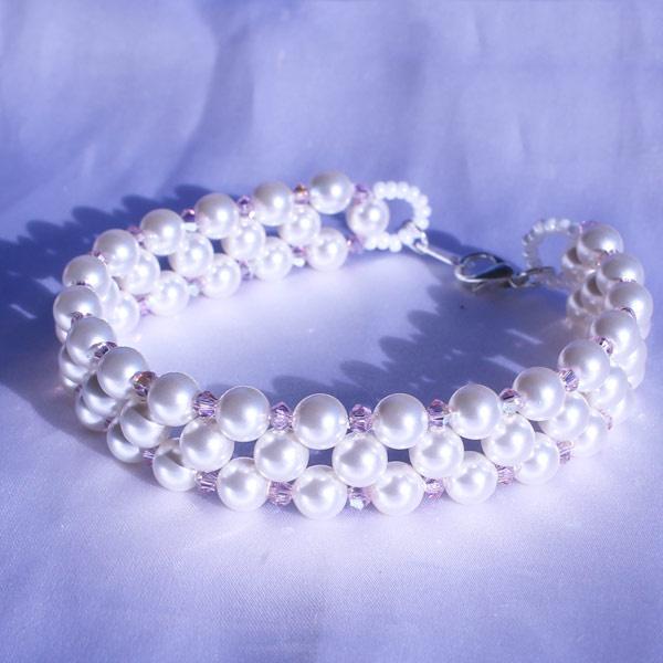 Bracelet douceur nacrées et toupies Swarovski - Perles & Co