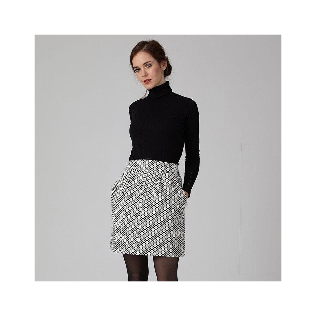 fcd76ad6271 im-Patron-de-couture-femme -Coralie-Bijasson-Sylvie-Jupe-courte-a-plis-a-poches.jpg