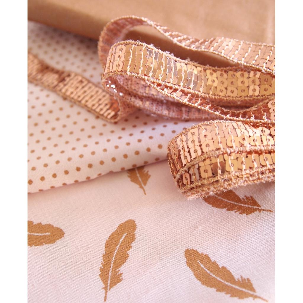 tissu coton tout ce qui brille frou frou scintillant pois rose c perles co. Black Bedroom Furniture Sets. Home Design Ideas