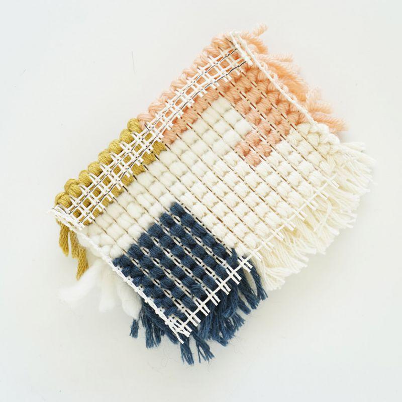 Toile canevas smyrne interlock pour tapis et ouvrages au - Toile a canevas pour tapis ...